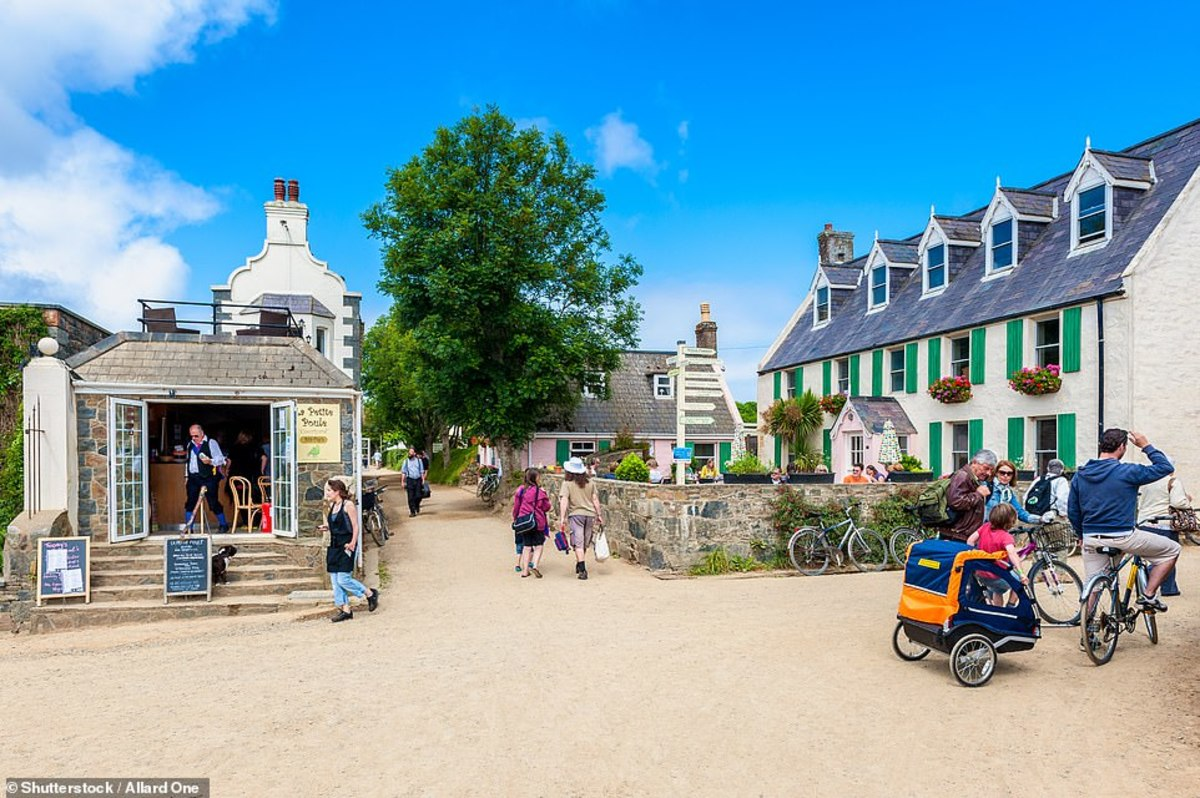 On Sark, there are no cars and no streetlights. That means the only ways to get around are your feet, a tractor, a horse, a cart, or a bicycle.