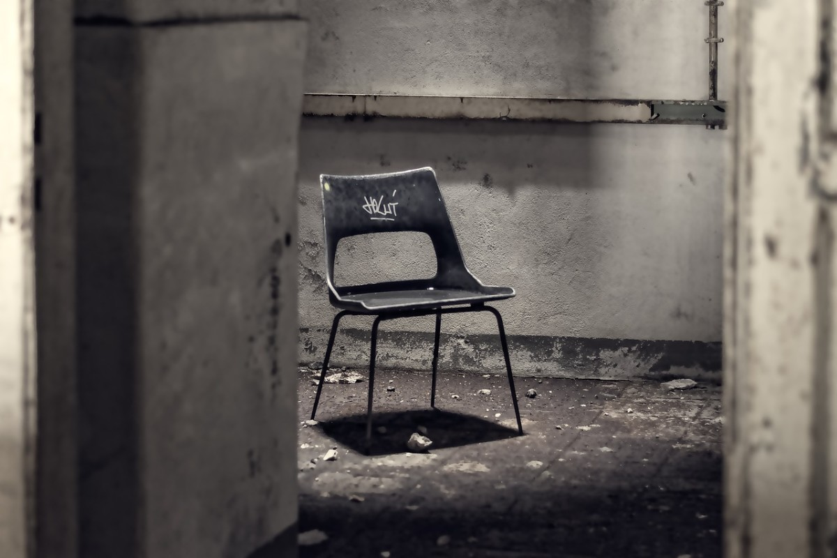 Interrogation Room: Image by Peter H from Pixabay