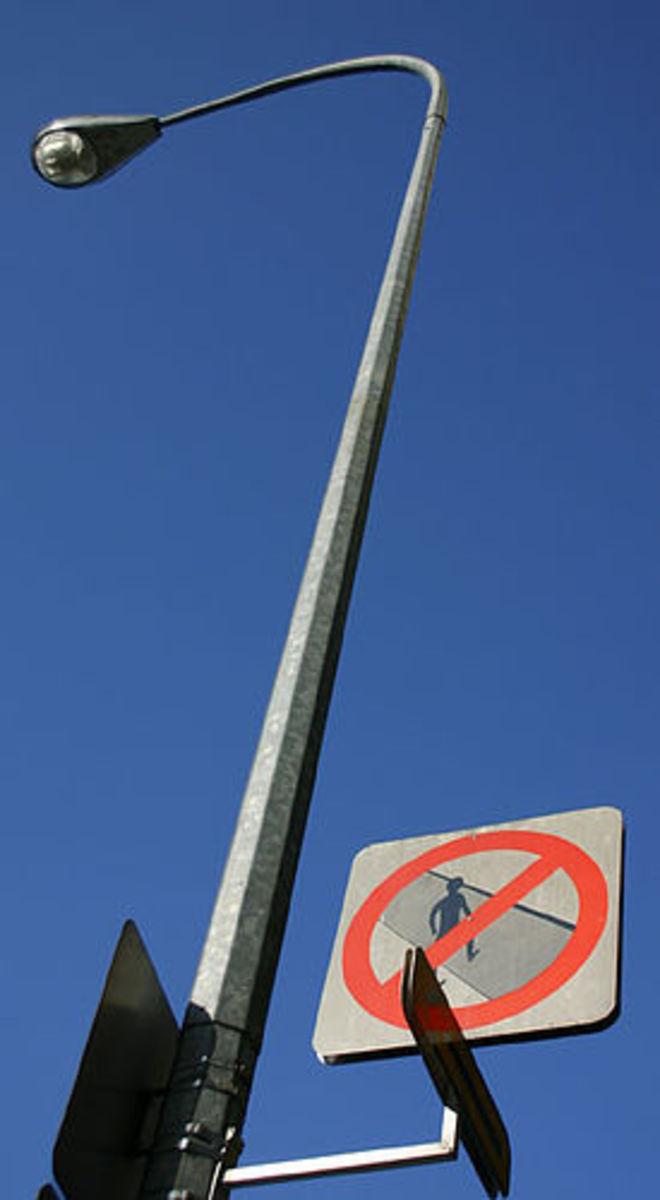 No jaywalking sign.