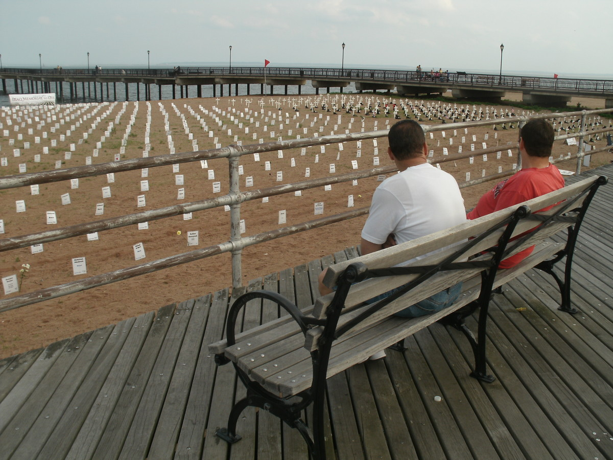 Many people on the Boardwalk stopped by for a look and reflection.