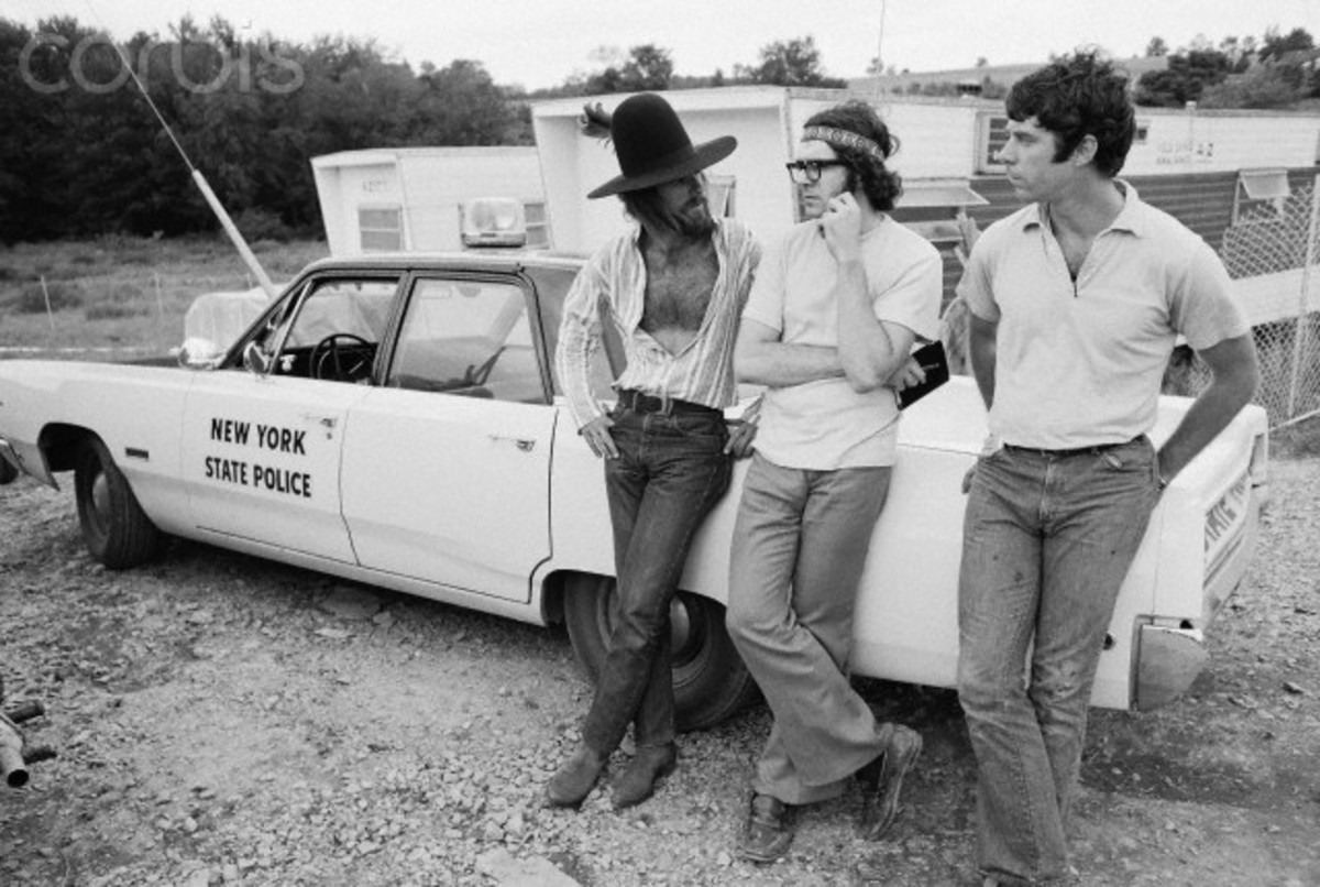 Some hippies were friends with the cops. This proves that hippies were not all bad.