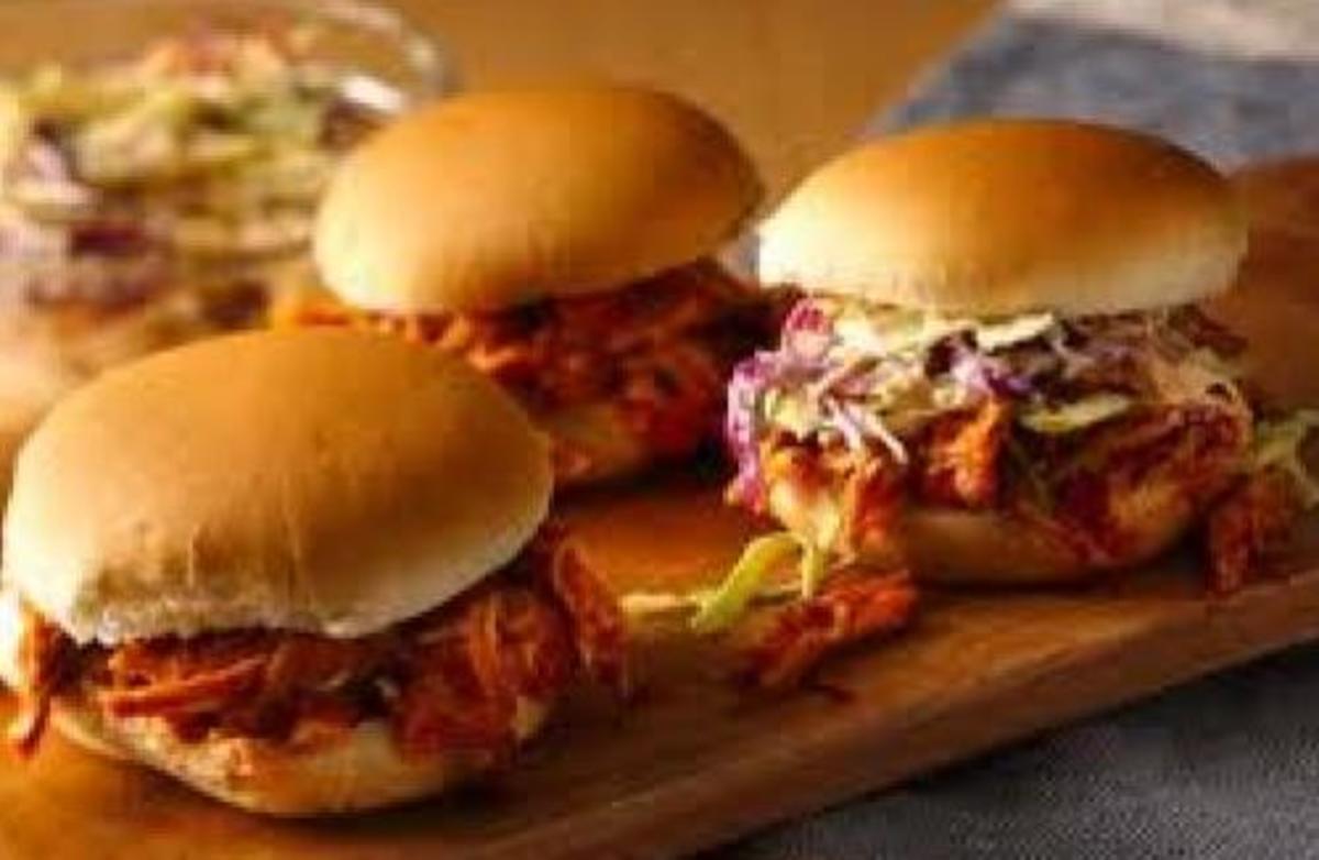 Easy BBQ Pulled Chicken Sandwiches