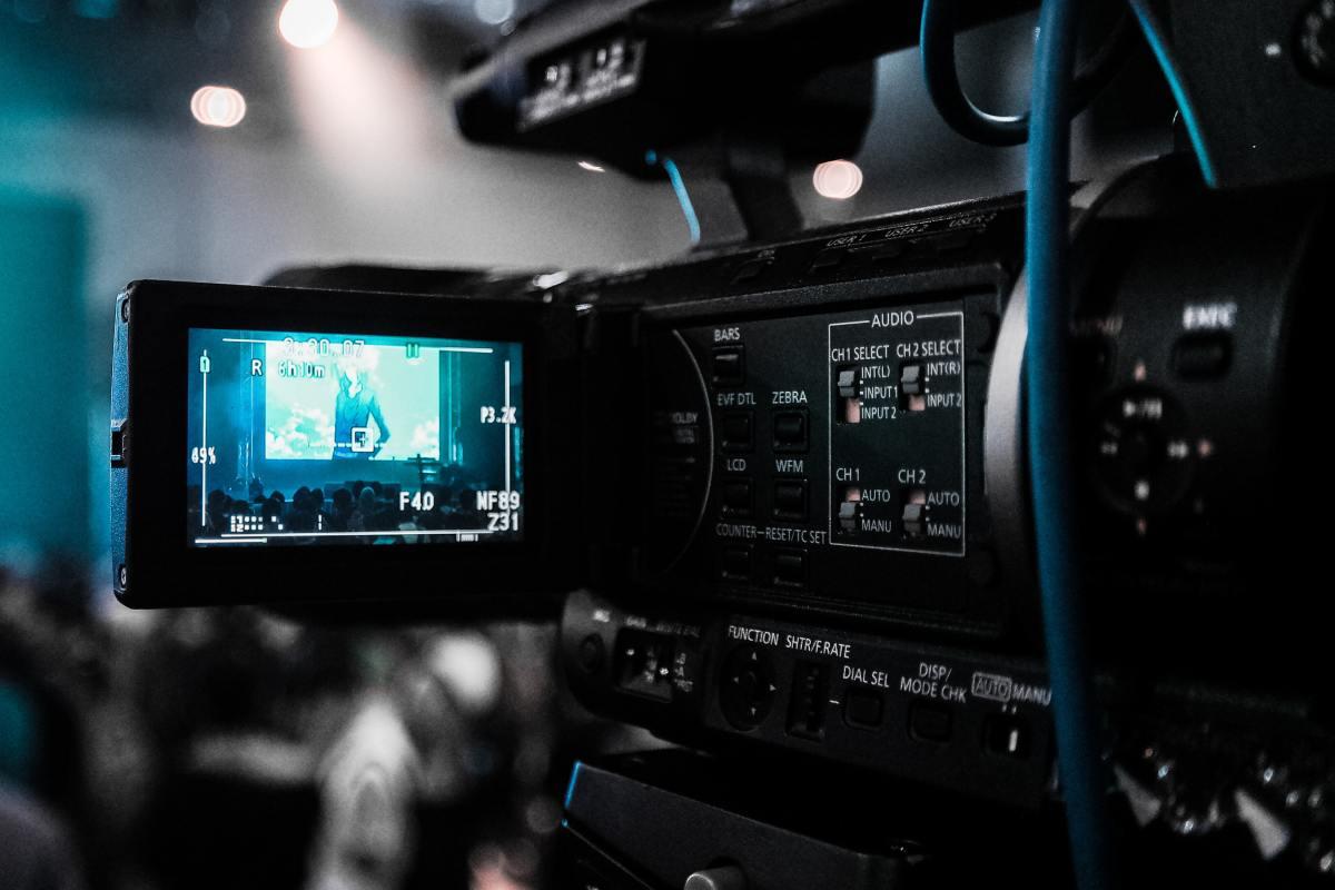 Beginner's Guide to Filmmaking: 3 Essential Tips