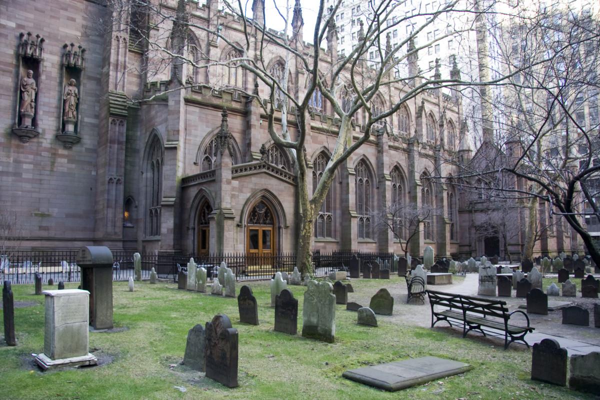 GRAVE YARD AT TRINITY CHURCH IN NEW YORK CITY