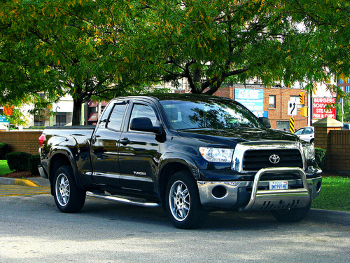 2012 toyota truck comparison tundra half ton vs silverado f150 and ram hubpages. Black Bedroom Furniture Sets. Home Design Ideas