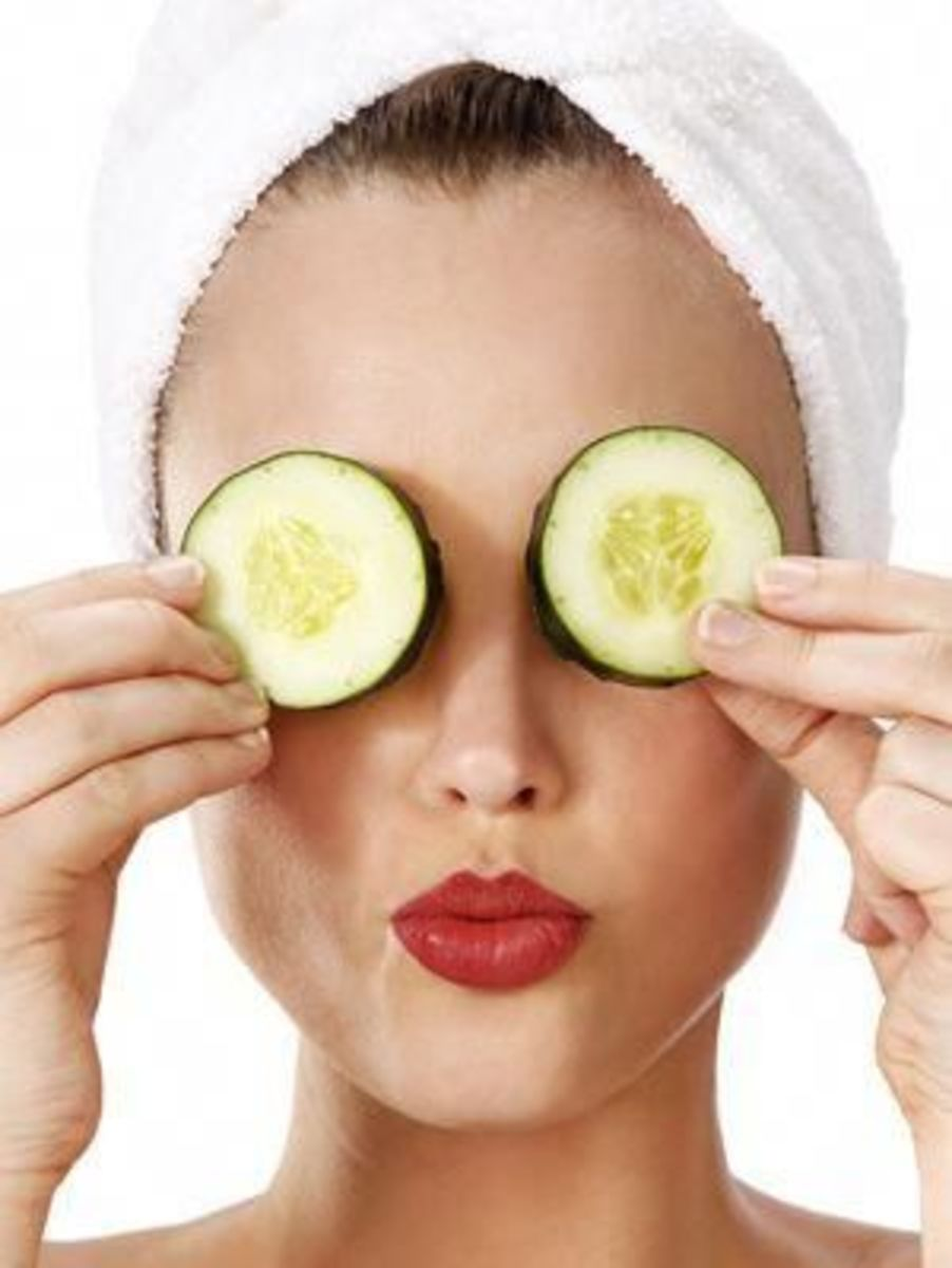 Use Cucumber Slices on Puffy Eyes