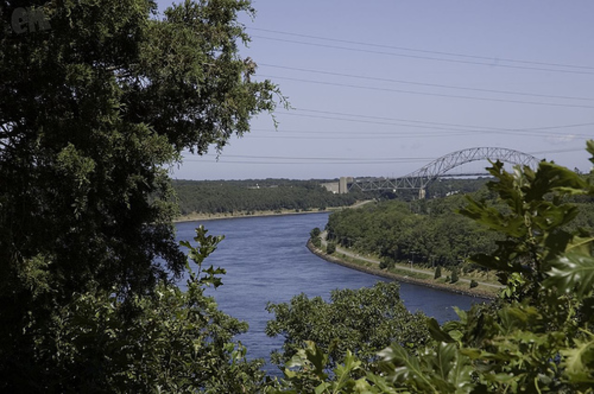 The Cape Cod Canal. Photo by Eduardo Mueses on flickr licensed under Creative Commons 2.0.