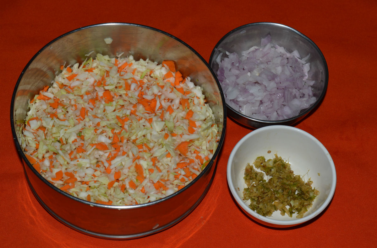 Step one: Keep ready the ingredients for making stuffing.