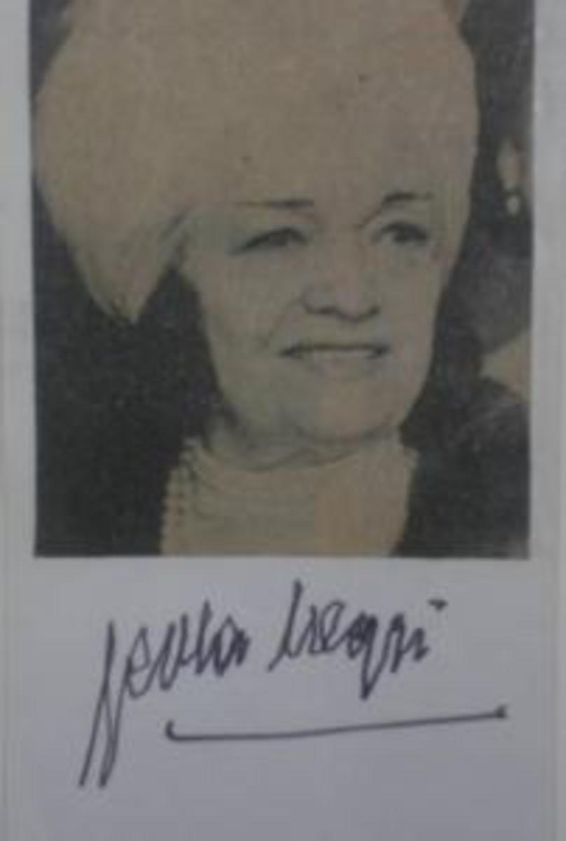 Pola Negri signed photo