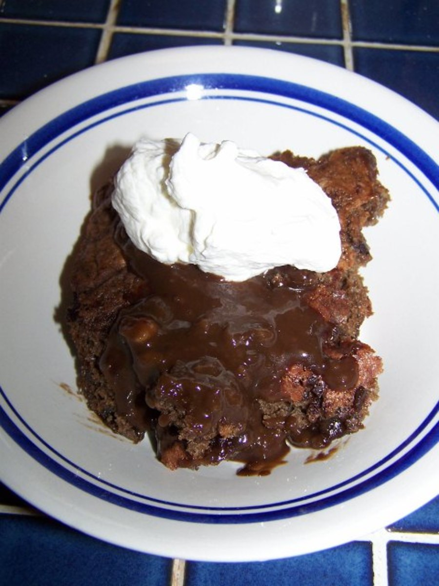 Fudge Float Chocolate Cake With Whipped Cream, Recipes. How To Make and How Long To Keep Whipped Cream.