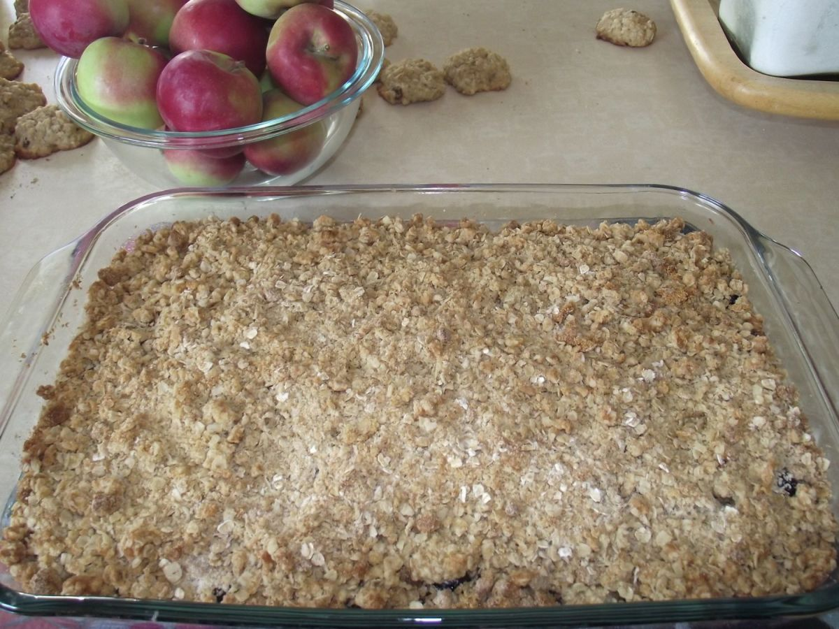 Apple crisp is an old fashioned dessert with a very healthy twist to it.