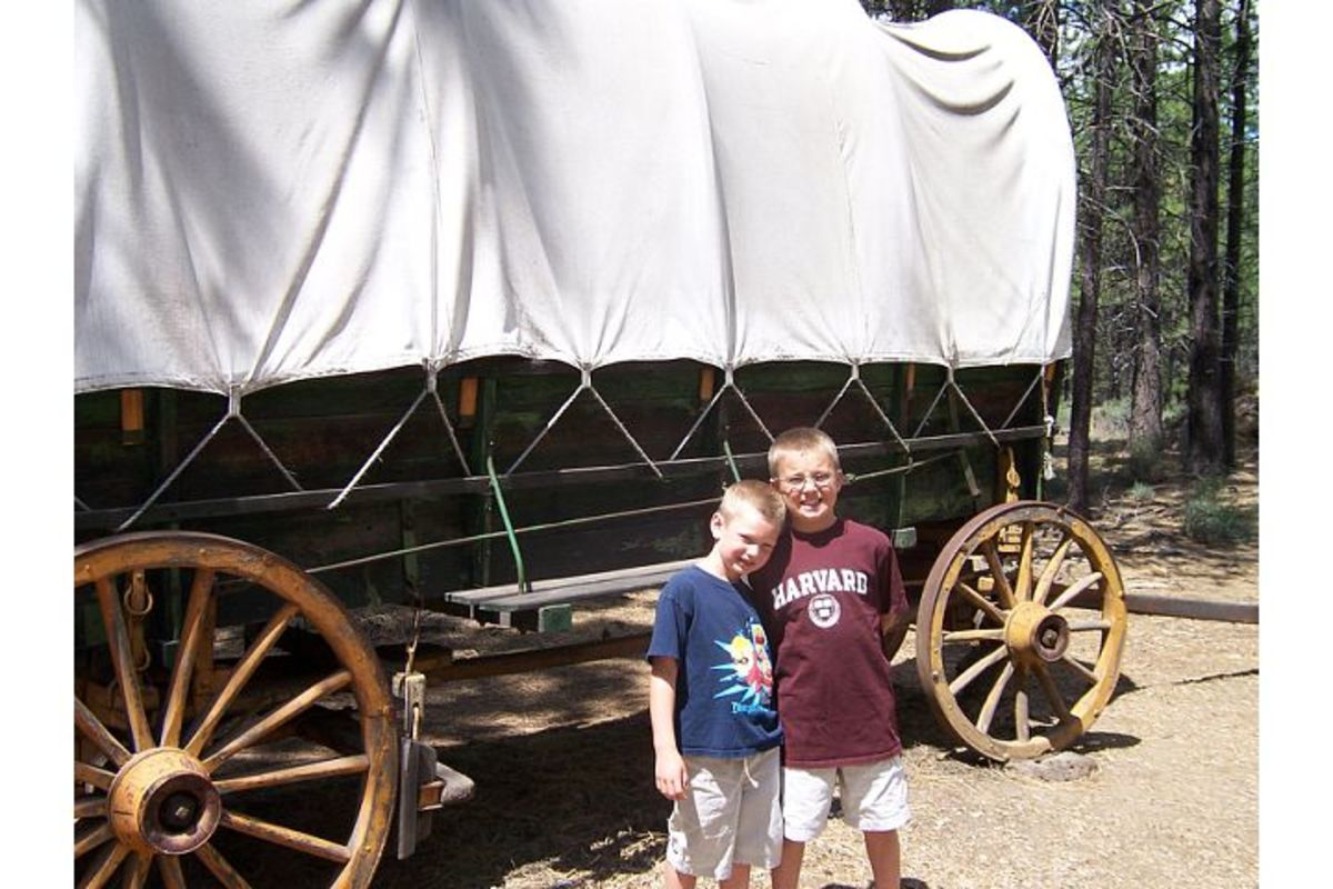 Covered wagon at the High Desert Museum (c) Stephanie Hicks