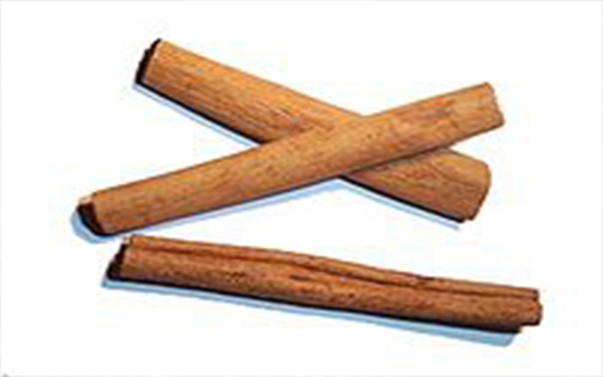 Cinamon sticks akin to those of Azania(Rhapta