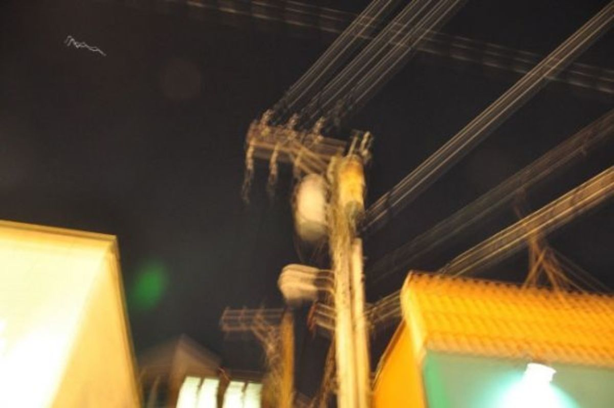 An green orb to the left of the lamppost Dillinger died by.  Taken July 22, 2010.