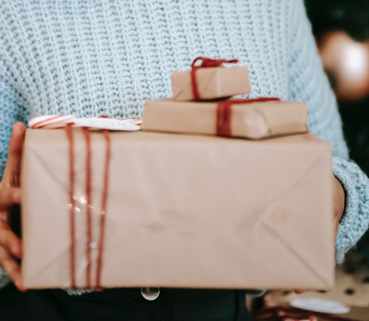 There are plenty of eco-friendly ways to wrap and decorate gifts. Photo by Liza Summer from Pexels