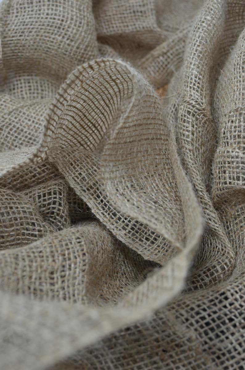Use burlap for an environmentally-friendly wrap that can be reused. Photo by Skylar Kang from Pexels