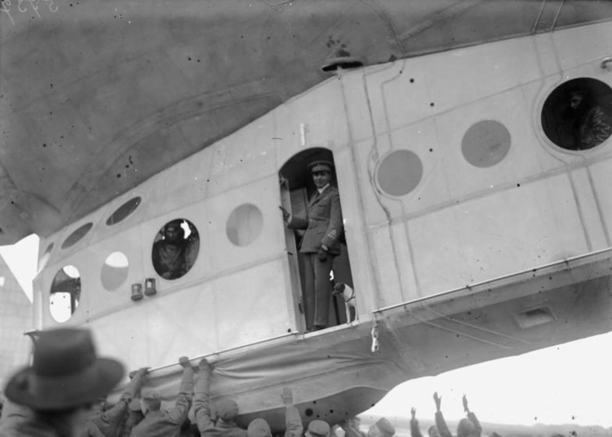 Stolp, Pomerania - airship port of Seddin. General Umberto Nobile in the gondola. Photo by Georg Pahl