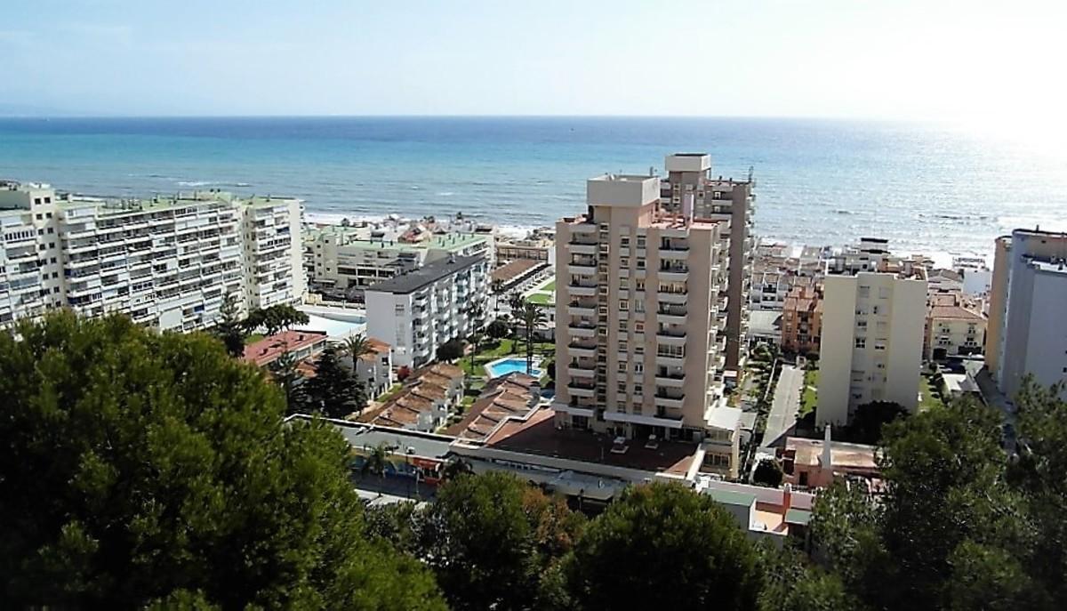The view of Torremolinos from Parque de la Bateria.