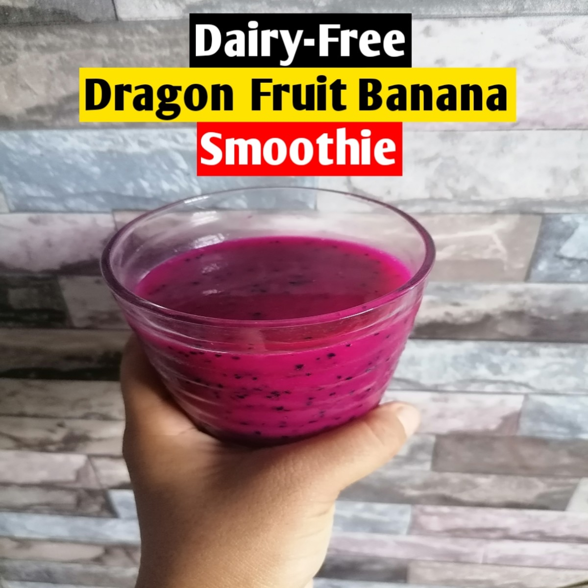 This dragon fruit banana smoothie doesn't contain any dairy