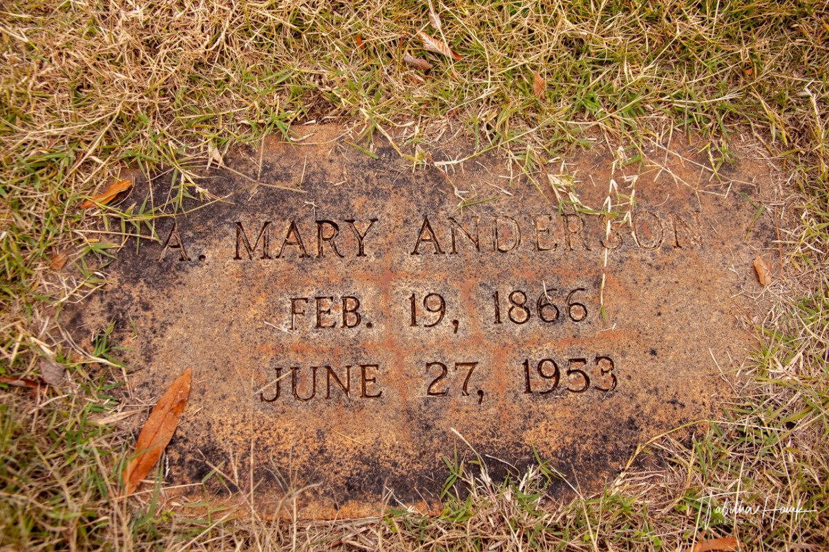 Mary Anderson's grave marker