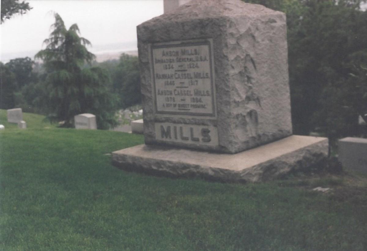 Mills Family grave, Arlington Cemetery.