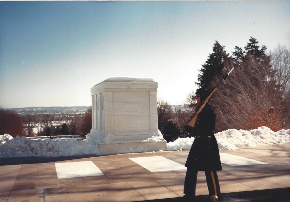 The Tomb of the Unknown Soldier, Arlington National cemetery, January 1987.