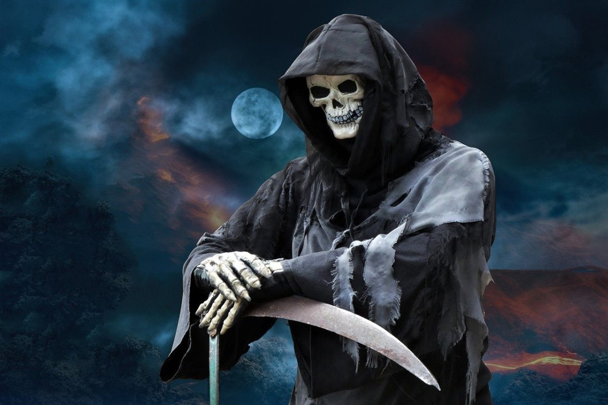 Grim Reaper: Image by Ray Shrewsberry • Thanks for Downloads and Likes from Pixabay