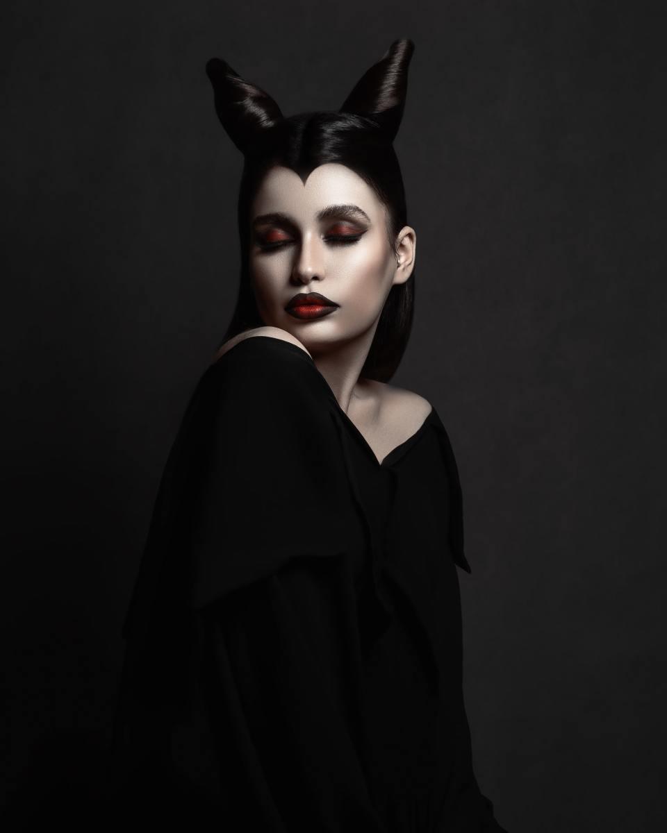 The Vampire look