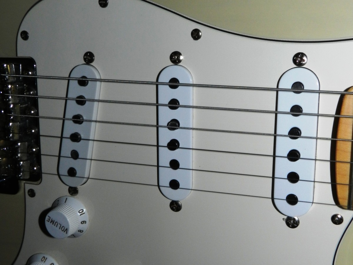 Which are better: Single-Coils or Humbuckers?