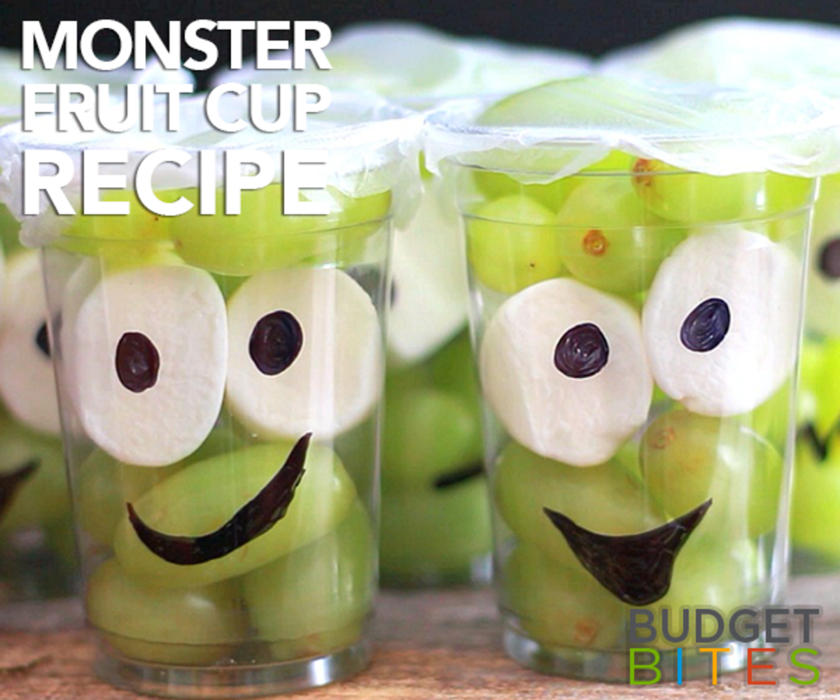 Fill some clear cups with grapes and toss in a couple of Marshmallows with pupils on them to make this fun and tasty Halloween treat cup!