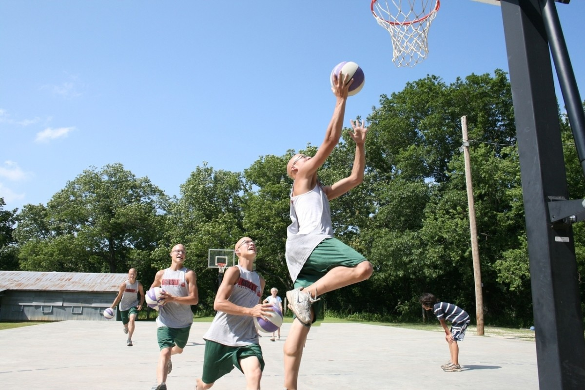 how-to-clean-your-basketball-hoop-and-other-pieces-of-basketball-equipment