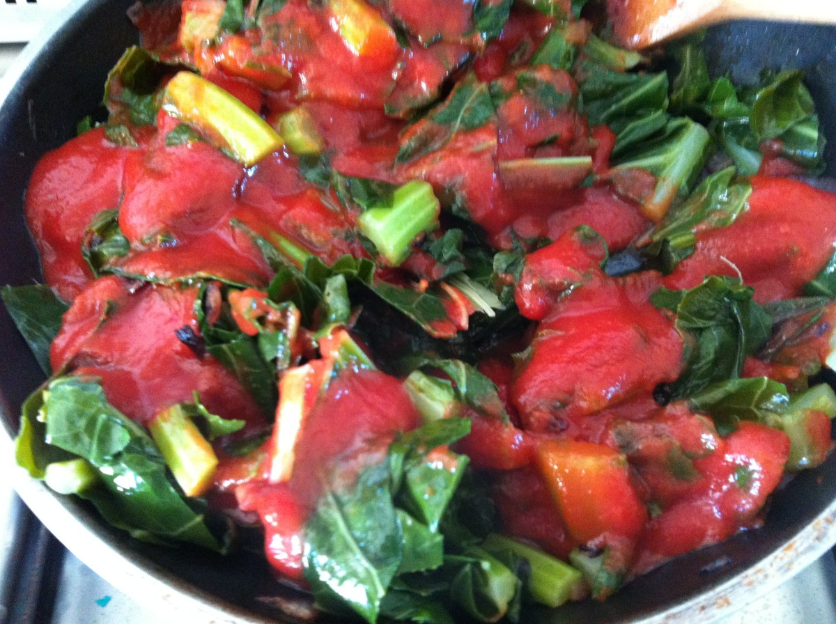 Mix in the tomato sauce  and braise.