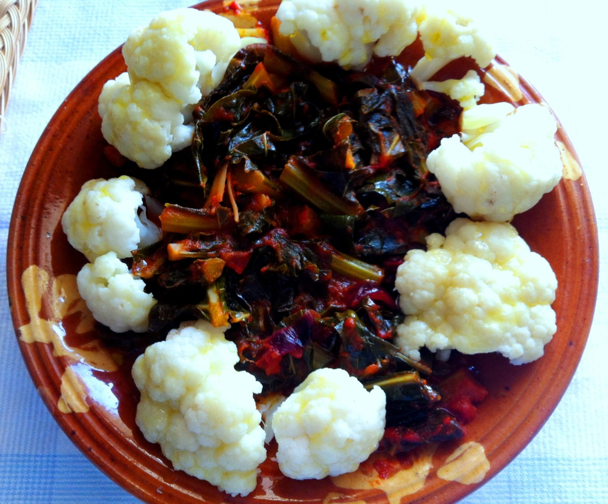 Cauliflower with cauliflower leaves in an Italian tomato sauce, 'in umido'