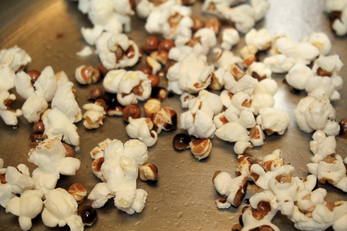 Discard unpopped kernels