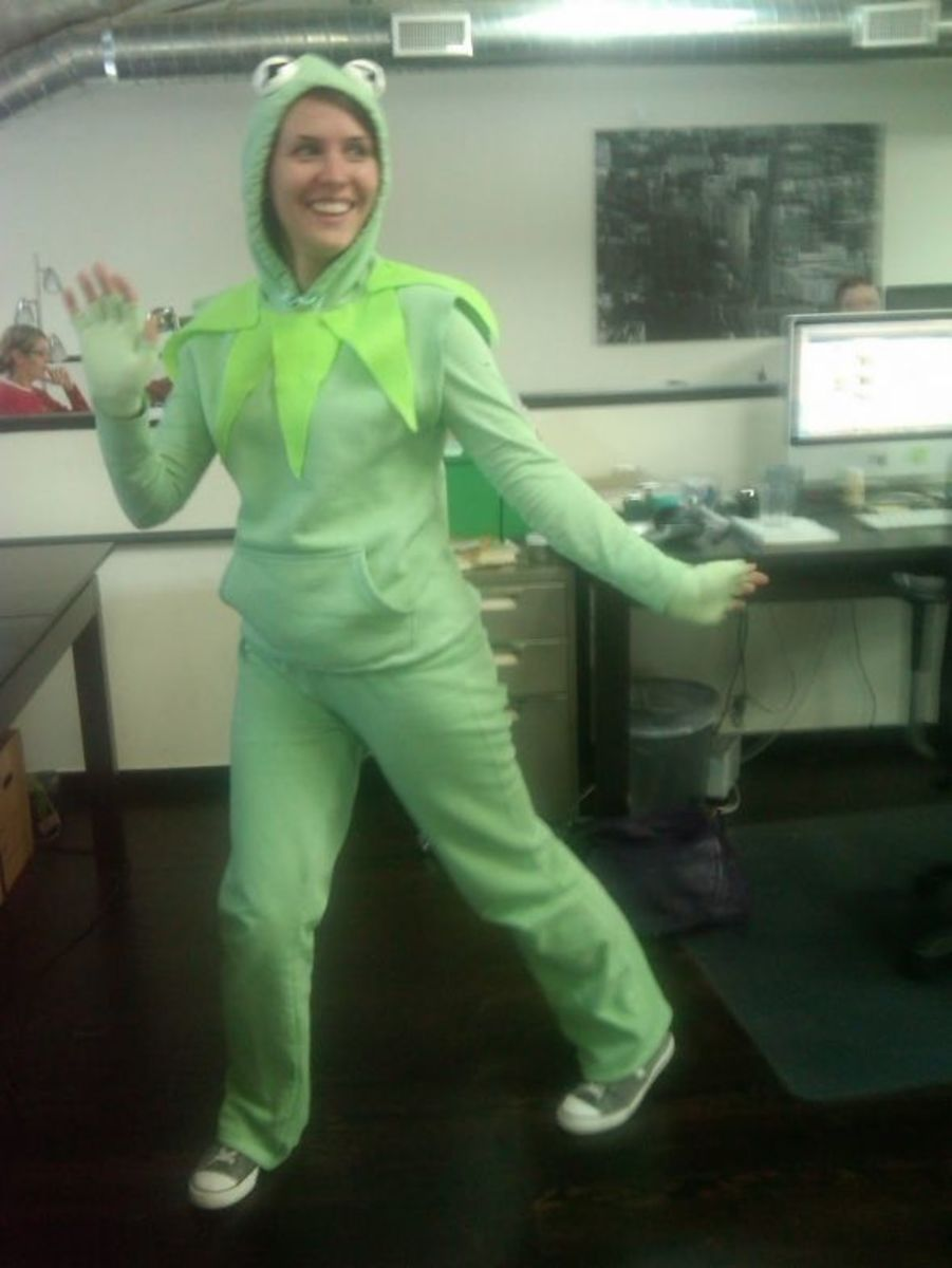 Frog costume designed and made by Hollywood Sucker.  See the link above to her instructions for making this costume.