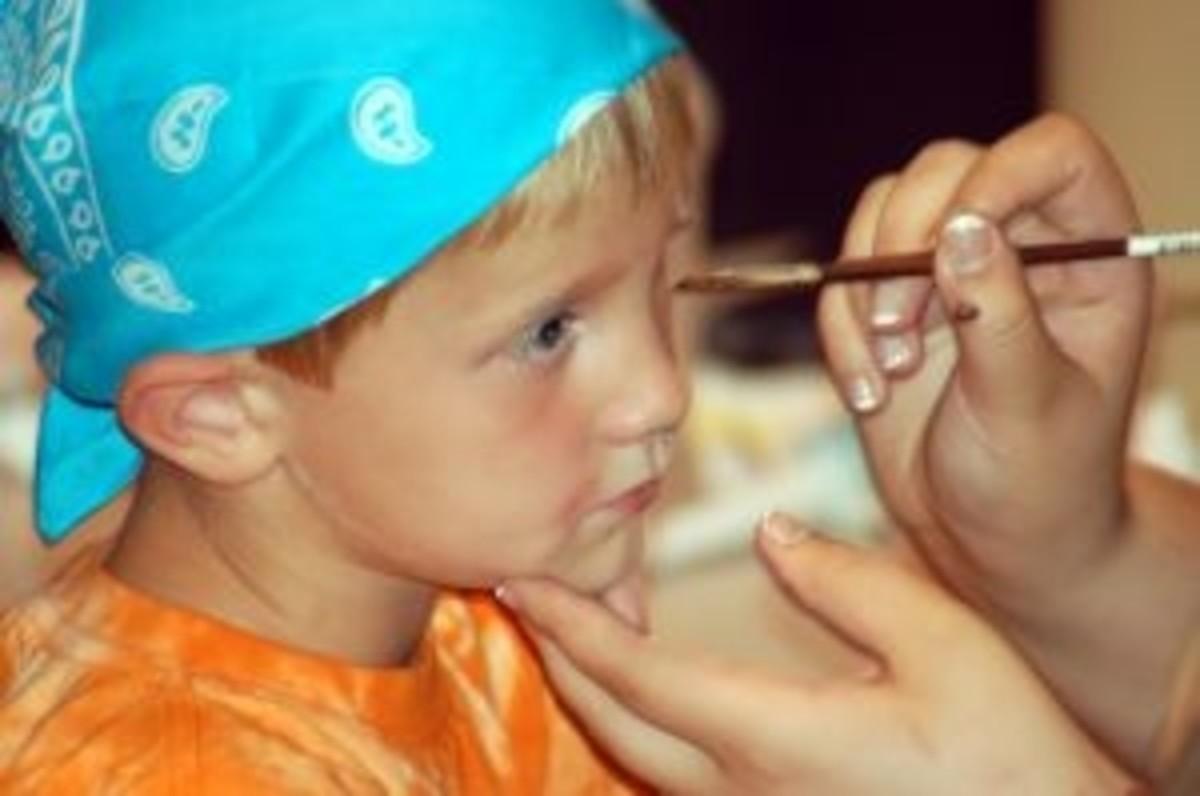 Make up for a small pirate. Source:  sxu.hu/mrsmas
