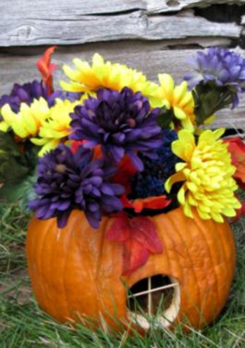 Pumpkin Flower Vase by Pirkko K. Dyer.