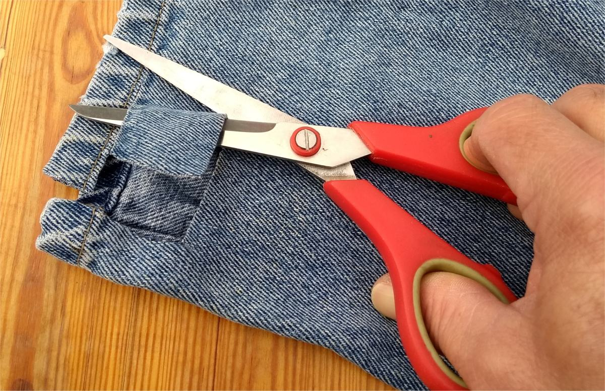 Cut a piece of cotton from old clothes.