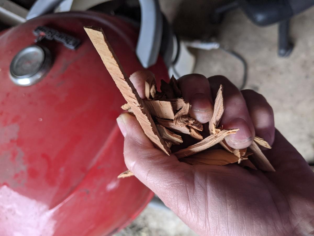 Wood chips, apple.