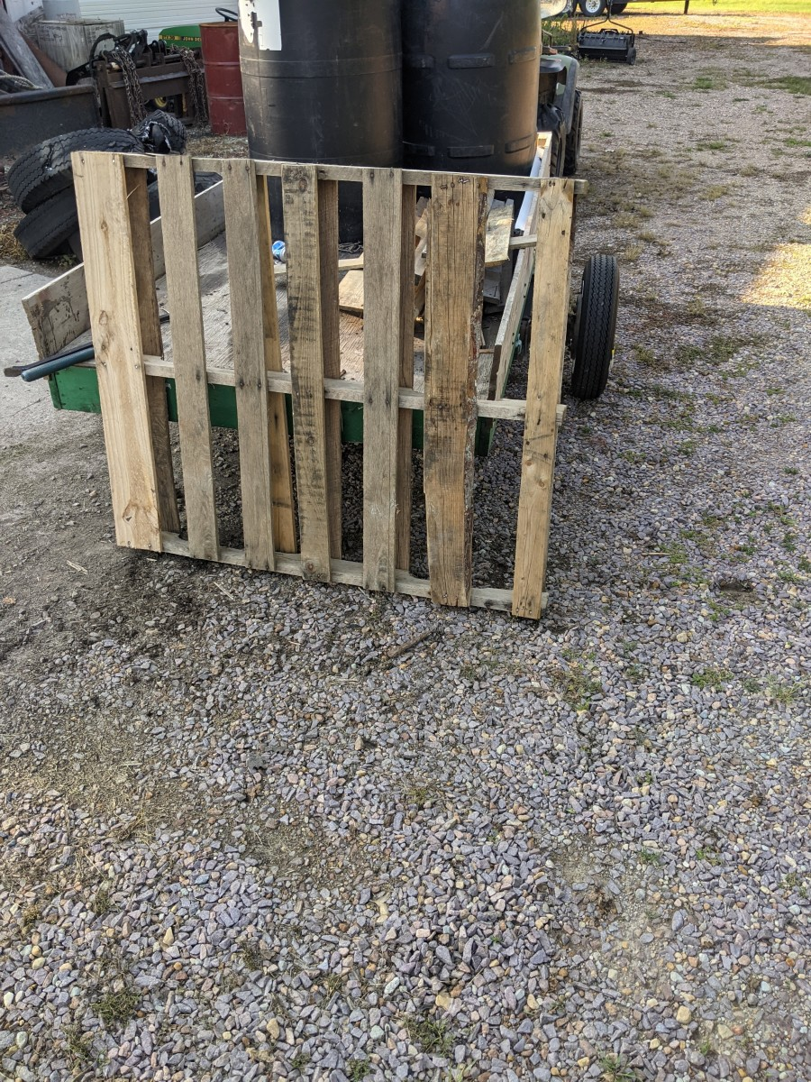 pallet-chairs-a-sweat-and-tears-challenge