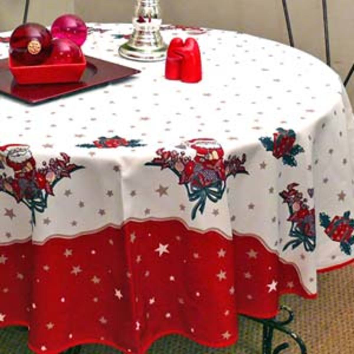 White and Red Christmas Tablecloth