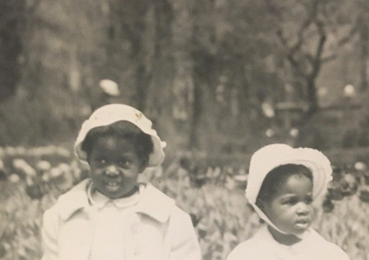 Judith and Janis Leslie, circa 1961