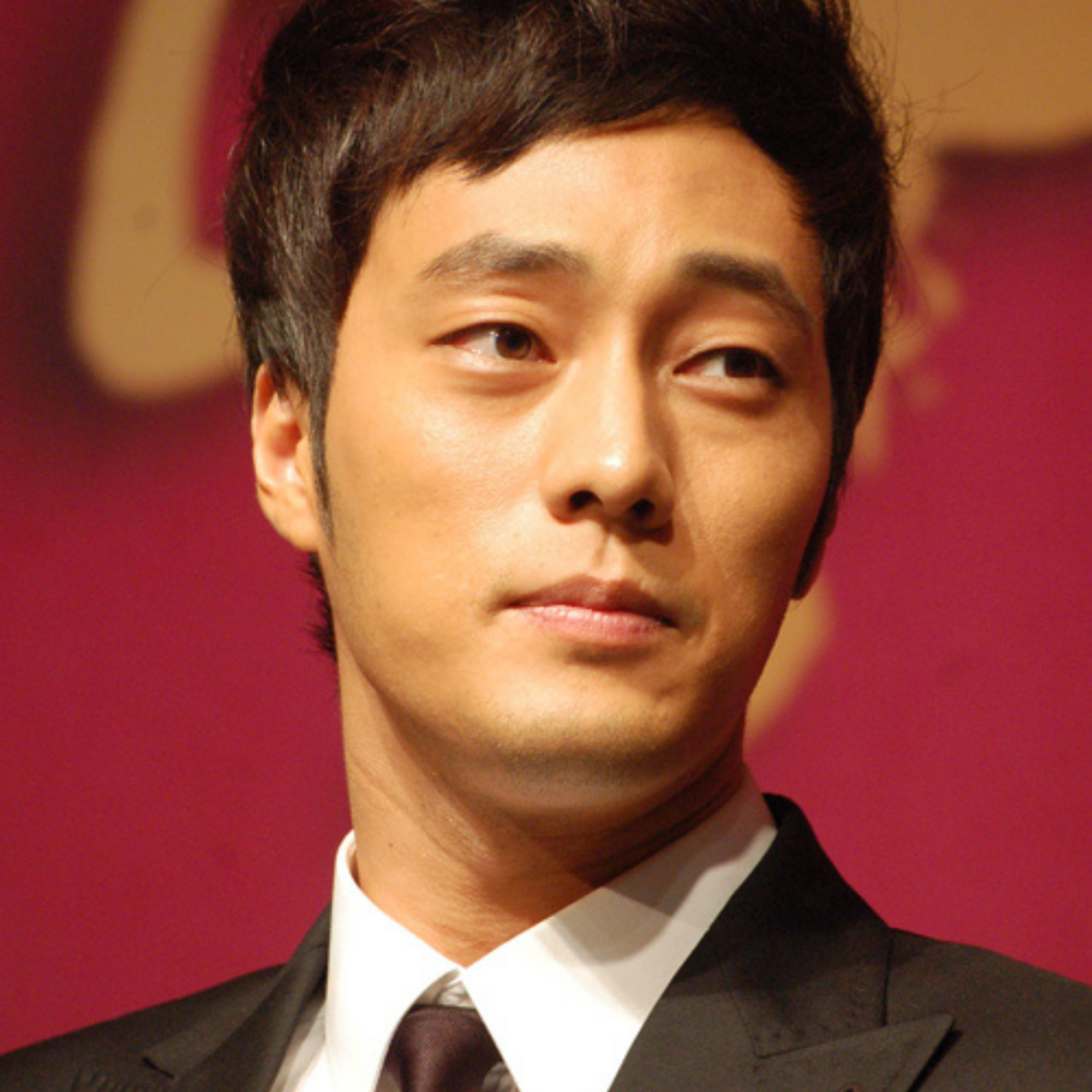 Learn more about So Ji-sub and 17 other K-actors who are known for their acting talents and good looks.