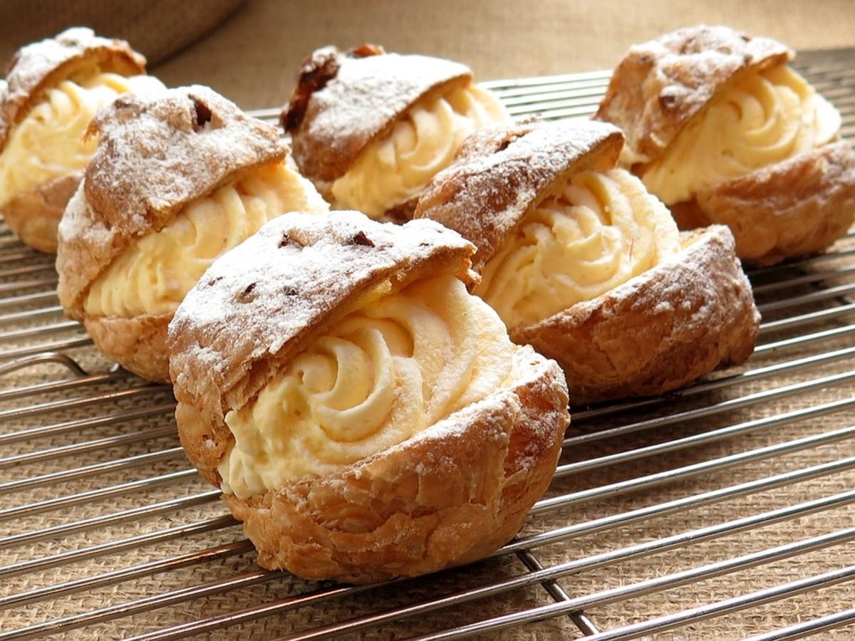 Creamy cream puffs