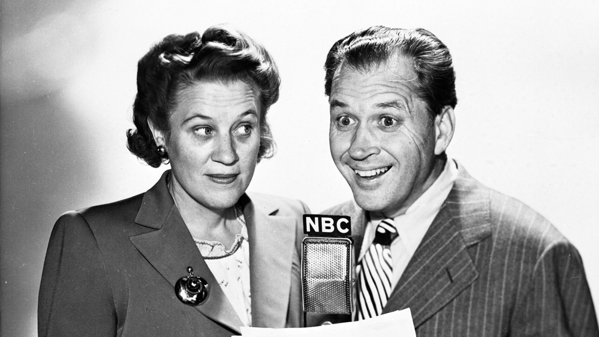In 1948, Fibber McGee & Molly was one of the most popular radio programs.