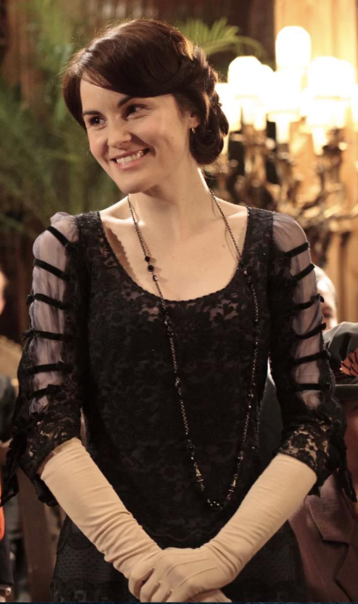 Michelle Dockery as Lady Mary Crawley, Downton Abbey Season 2