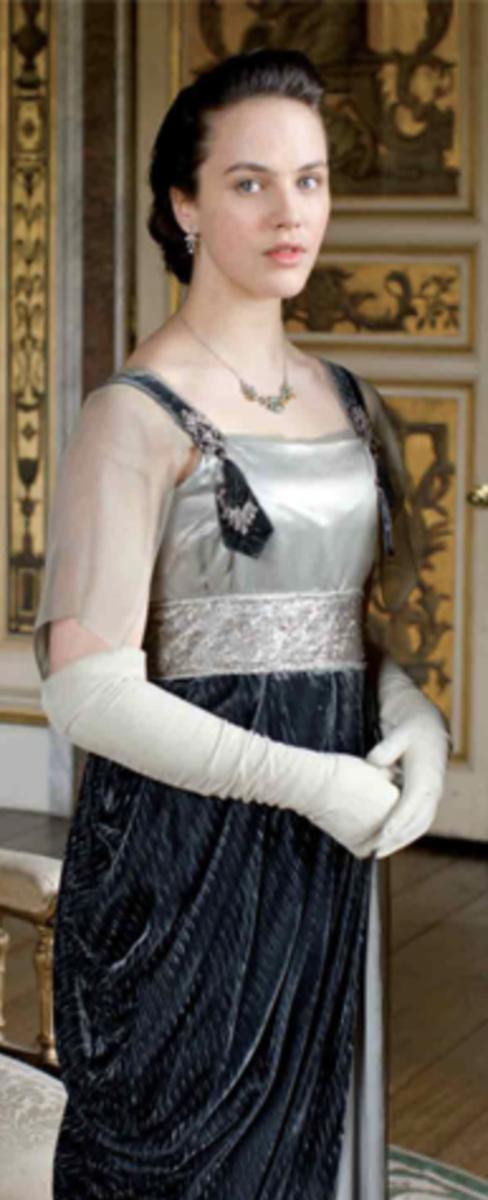Jessica Brown Findlay as Lady Sybil Crawley, Downton Abbey Season 2