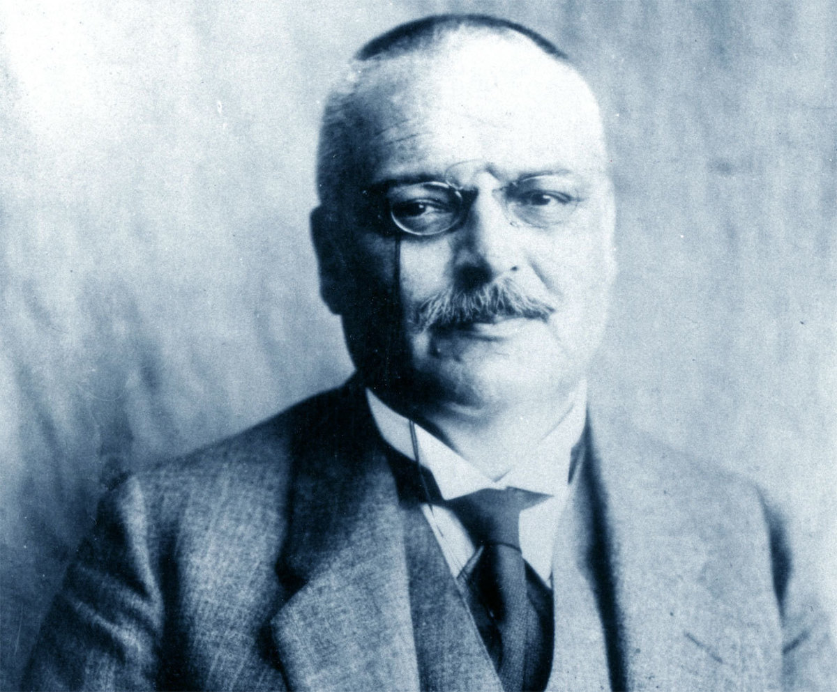 Aloysius Alzheimer: The Man Who Discovered Alzheimer's Disease