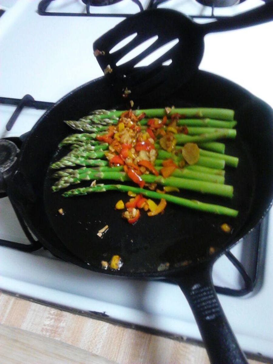 Add asparagus to the skillet