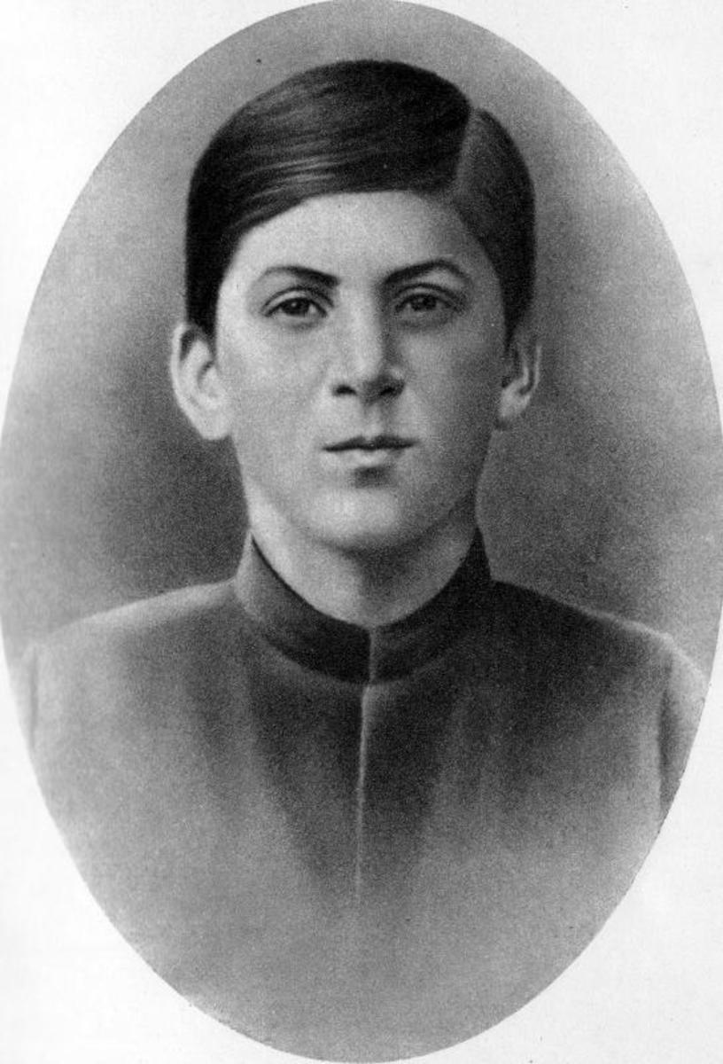 Early photo of Stalin, aged 16.